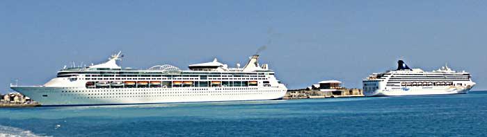 2-ships-in-Bermuda