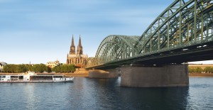 CC_Idun_Cologne_Bridge_Horiz